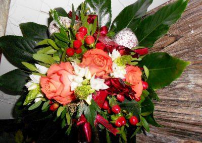 Blumenstrauß mit eingearbeiteten Badekugeln