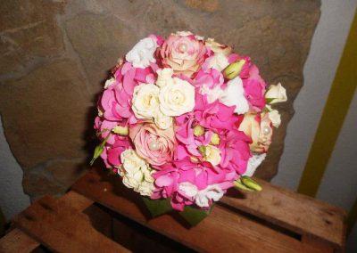 Kugel Blumenstrauß in zartem Rosa von der Blumenwiese Eisenach